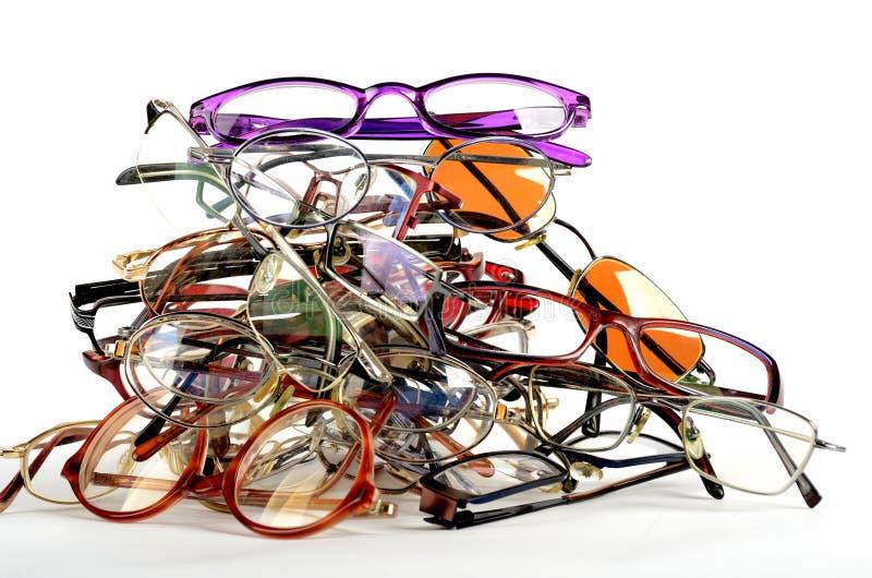 堆使用的眼镜