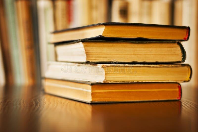 堆老精装书 库存图片