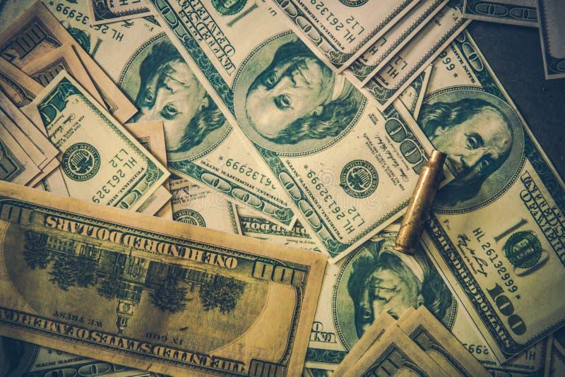 堆肮脏的美元金钱 库存照片
