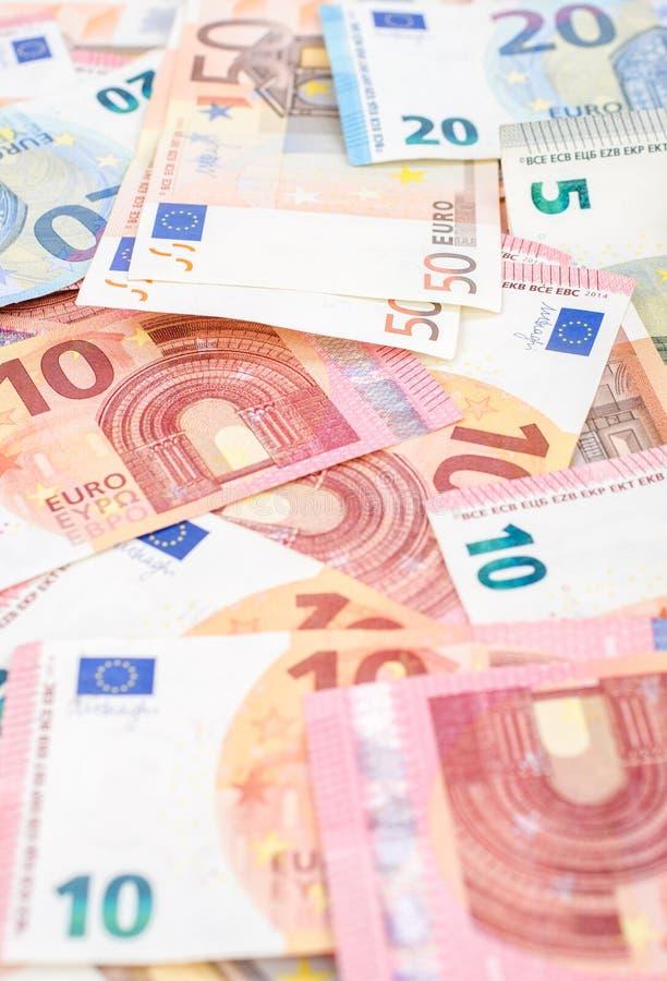 堆许多欧洲钞票 免版税库存图片