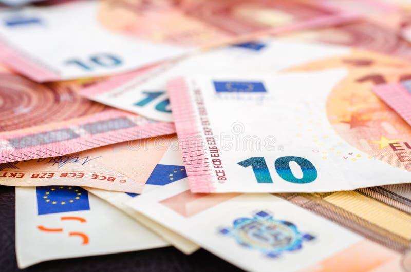 堆许多欧洲钞票 免版税库存照片