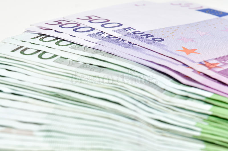 堆金钱欧元发单钞票 从欧洲的欧洲货币 库存照片