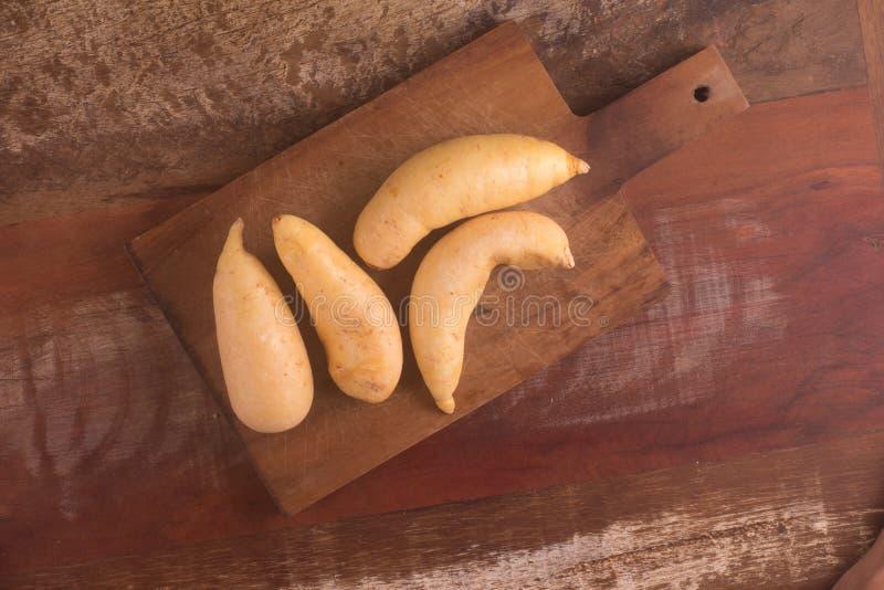 堆Mandioquinha baroa土豆 免版税库存照片