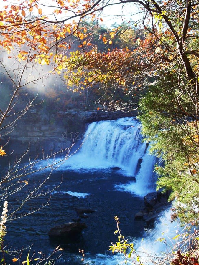 堡垒在秋天1的佩恩瀑布 库存图片