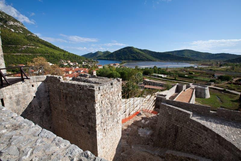 堡垒在Ston,半岛的Peljesac,克罗地亚一小镇 库存图片