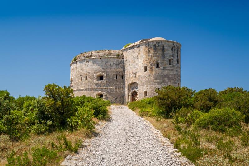堡垒阿扎镇,闭合的古老堡垒在科托尔湾 免版税库存照片