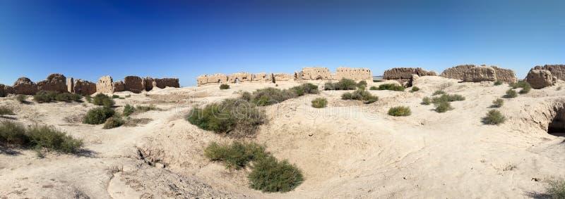 堡垒Ayaz Kala `废墟在Kyzylkum沙漠冰堡垒` -古老Khorezm,在乌兹别克斯坦 免版税库存图片