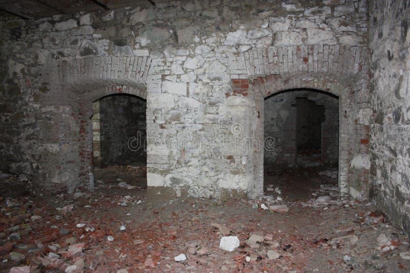 堡垒Bastione,19世纪军事堡垒,被放弃对自然忽视  困厄的石建筑里面 库存照片