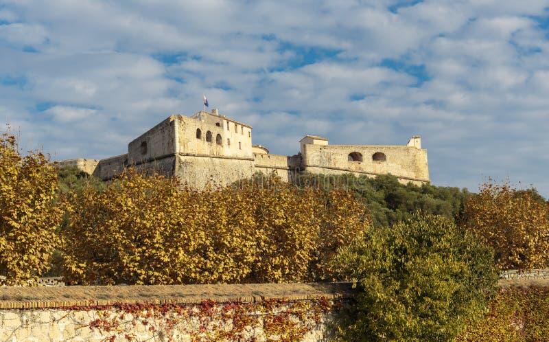 堡垒Carre墙壁在安地比斯 库存图片