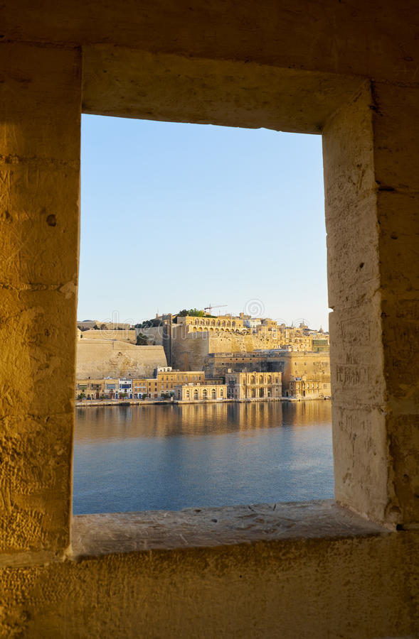 堡垒Lascaris看法从警卫塔窗口的  Sengle 库存图片