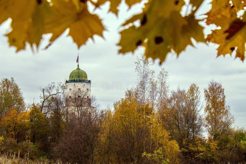 维堡城堡的古老塔在列宁格勒州,俄罗斯的 库存图片