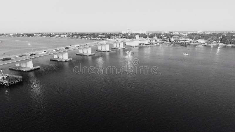 堤道桥梁 免版税库存照片