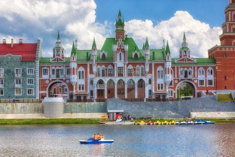 堤防布鲁日在约什卡尔奥拉 俄罗斯,马里埃尔共和国共和国 库存照片