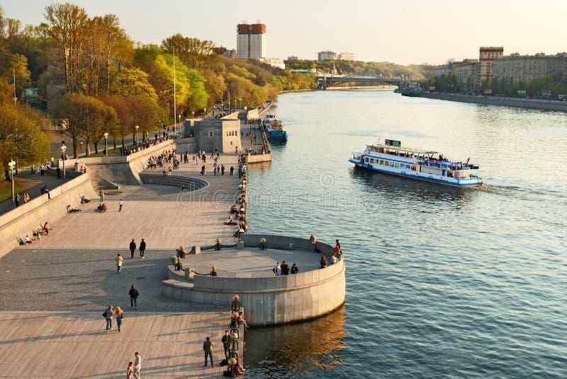 堤防莫斯科河 免版税库存图片