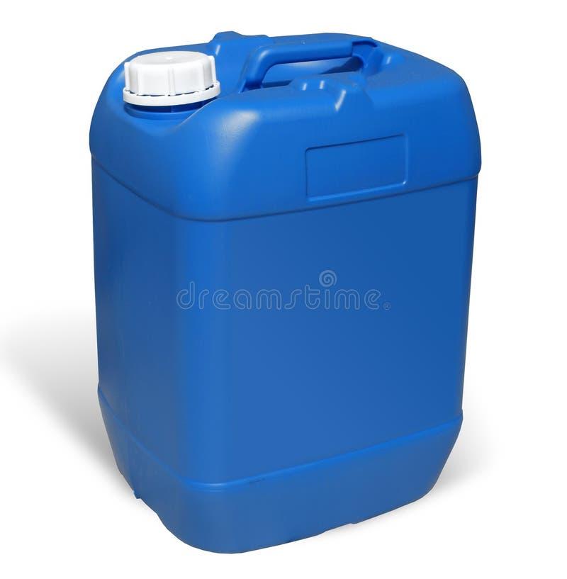 塑料五加仑装之汽油罐。蓝色罐 免版税图库摄影