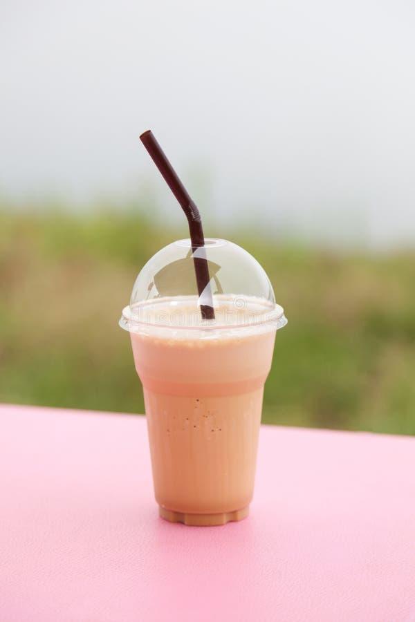 塑料咖啡杯 免版税图库摄影