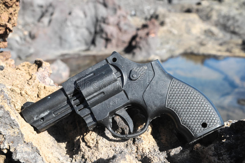 塑料左轮手枪枪 免版税库存图片