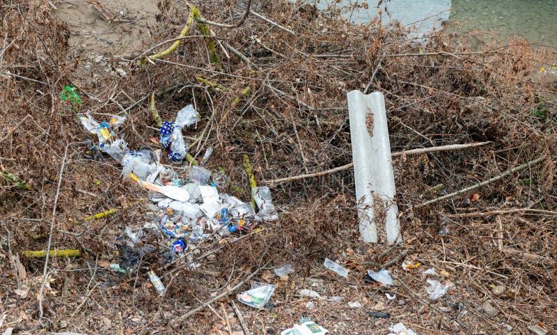 塑料废物本质上 免版税库存照片