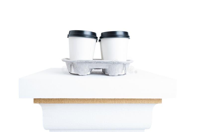 塑料杯子用鲜美咖啡当茶点和断裂概念 库存照片