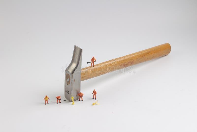 Download 塑料玩具建造者建筑工人替换者 库存例证 - 图片: 100031537