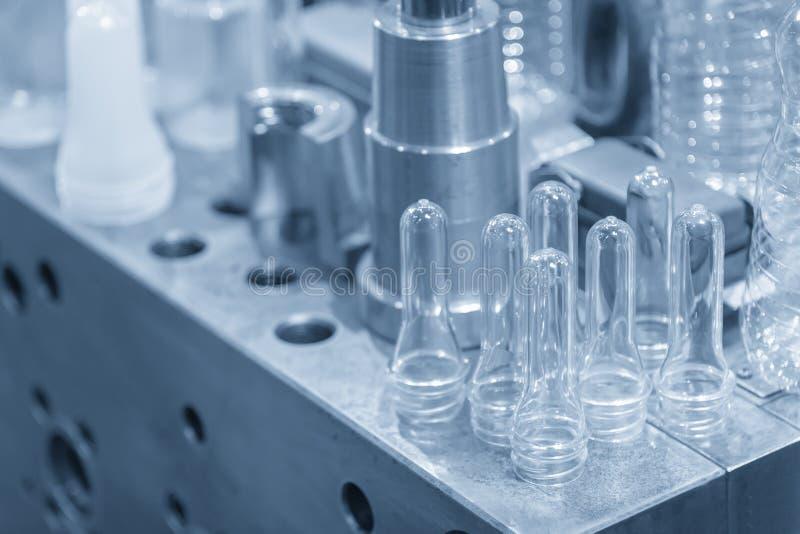 塑料瓶产品的各种各样的类型 免版税库存照片