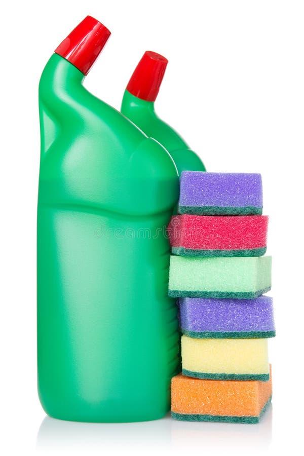 塑料瓶清洁产品和厨房海绵 库存照片