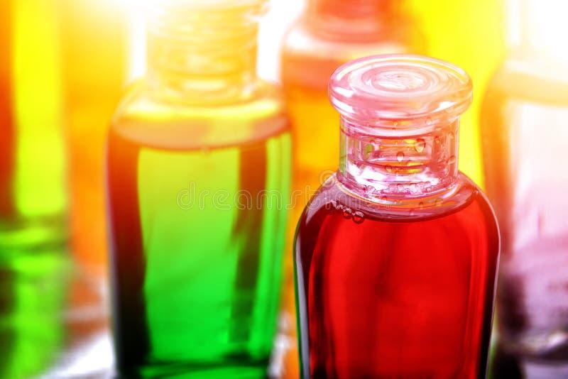 塑料瓶香波、液体皂或者化妆水旅行的 库存图片
