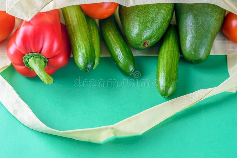 塑料自由购物 农夫有机产品 库存照片