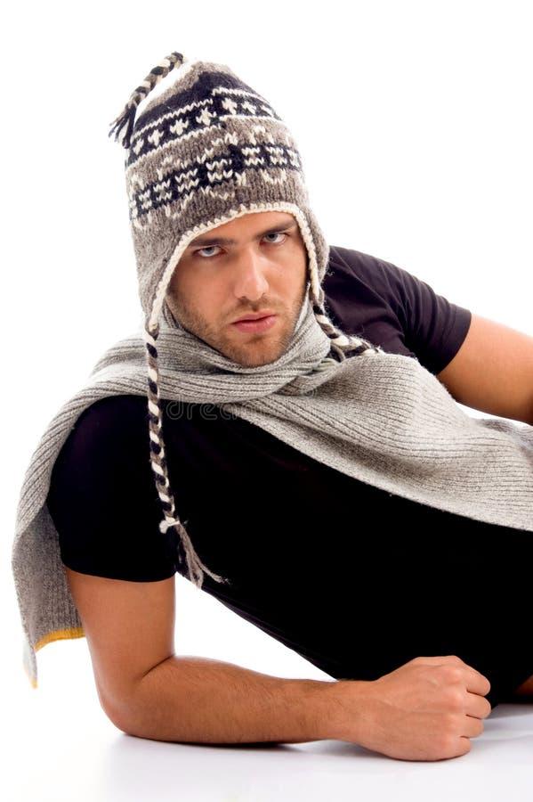 塑造冬天年轻人的白种人衣裳 库存图片