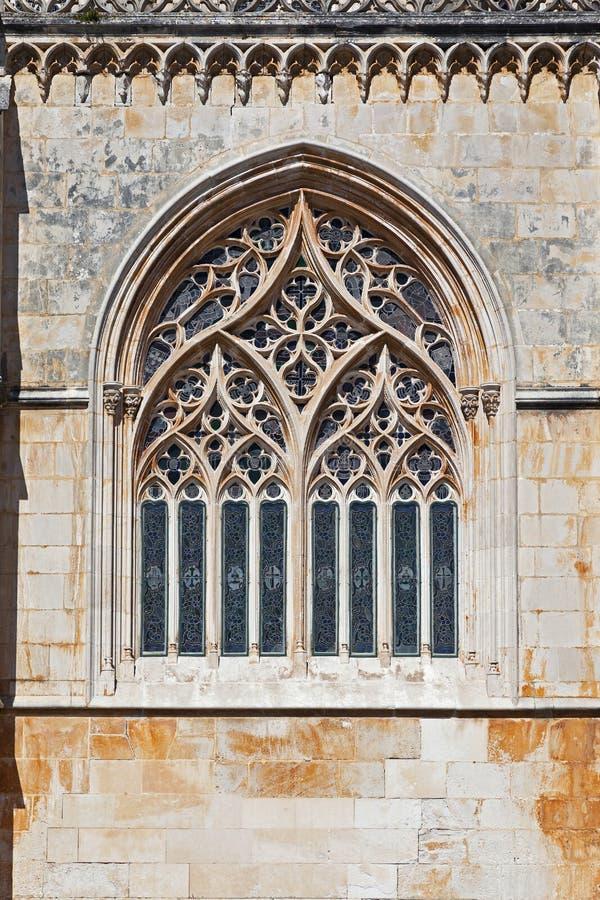 巴塔利亚修道院。网眼图案哥特式窗口 库存图片