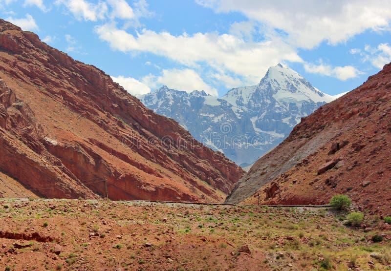 塔吉克斯坦山  库存图片