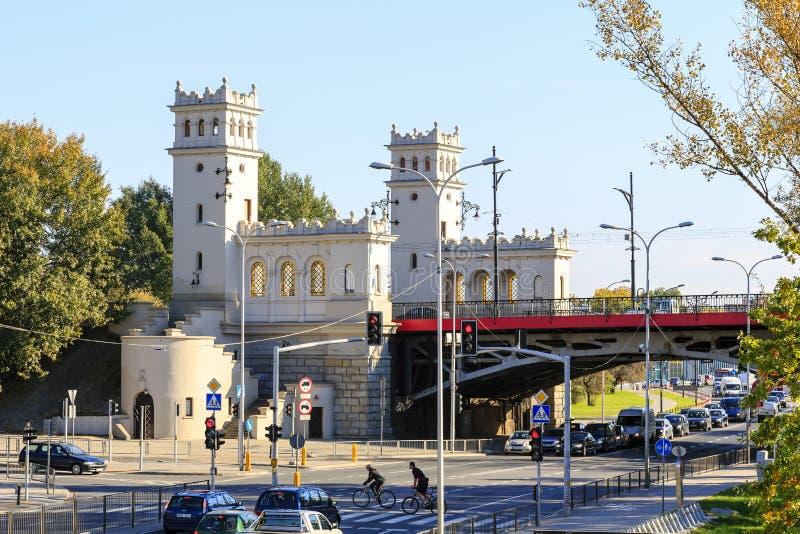 塔和台阶对Poniatowski桥梁 库存照片