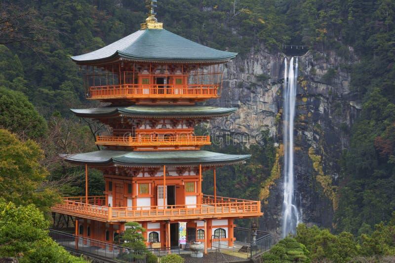 塔和Nachi在和歌山县,日本落 免版税库存图片