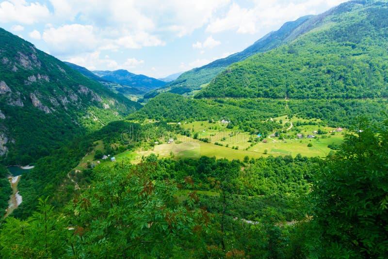 塔拉在莫伊科瓦茨附近的河风景 免版税图库摄影