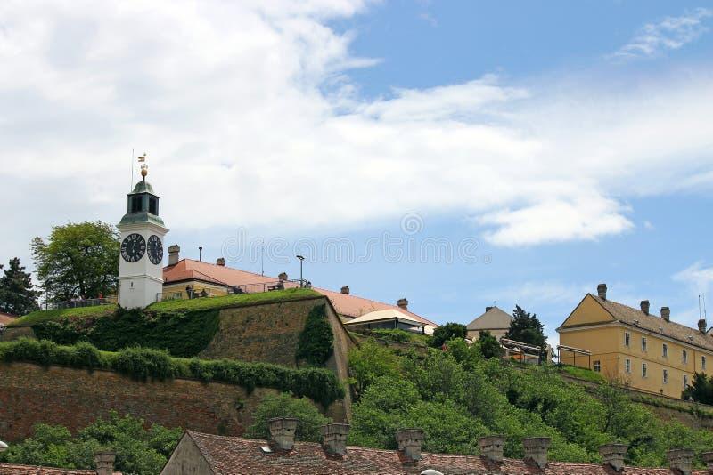 塔时钟彼得罗瓦拉丁堡垒塞尔维亚 库存图片