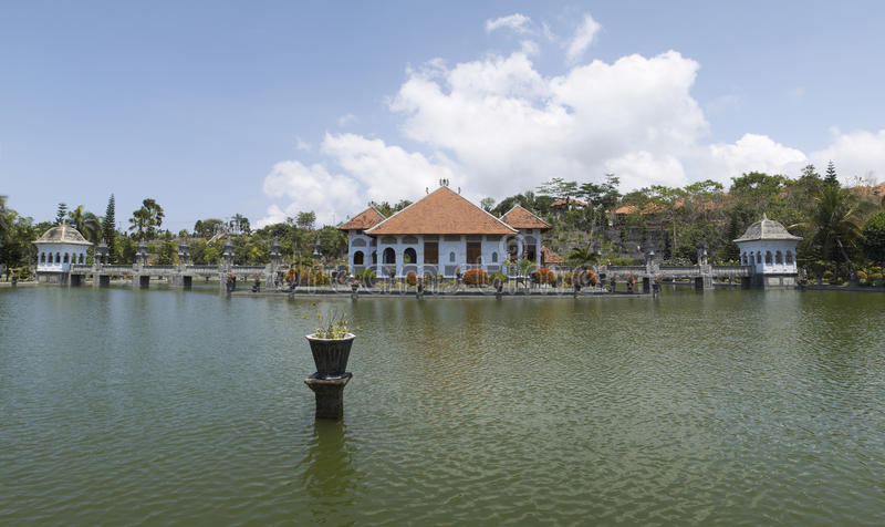 Download 塔曼Soekasada Ujung水宫殿,全景视图 库存图片. 图片 包括有 旅行, 宫殿, 印度尼西亚 - 62538915