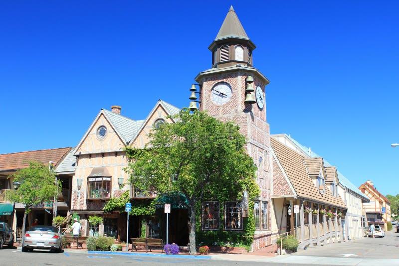 塔有时钟和天空蔚蓝背景在老城市 免版税库存照片