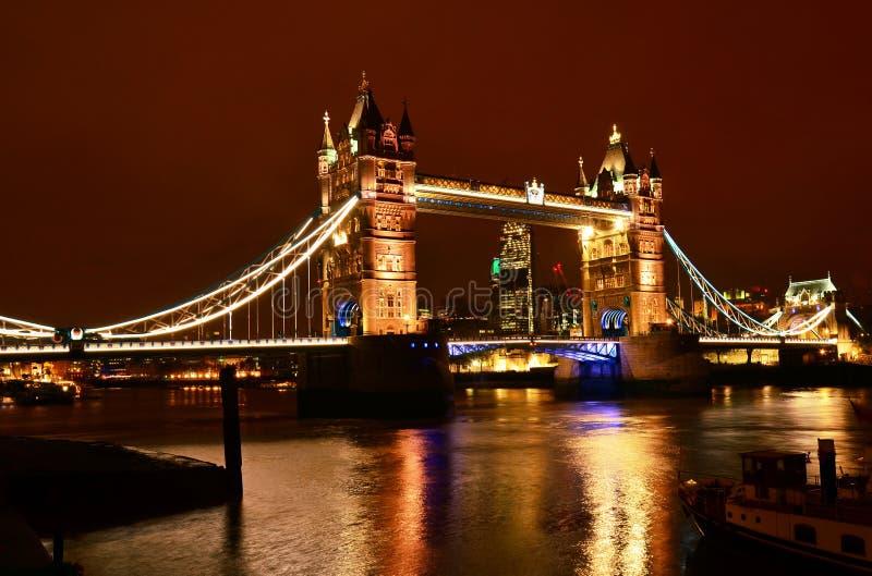 塔桥梁在晚上,伦敦 免版税库存照片