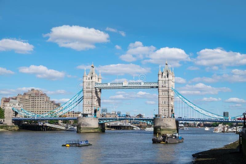 塔桥梁,伦敦,在夏天 免版税库存图片