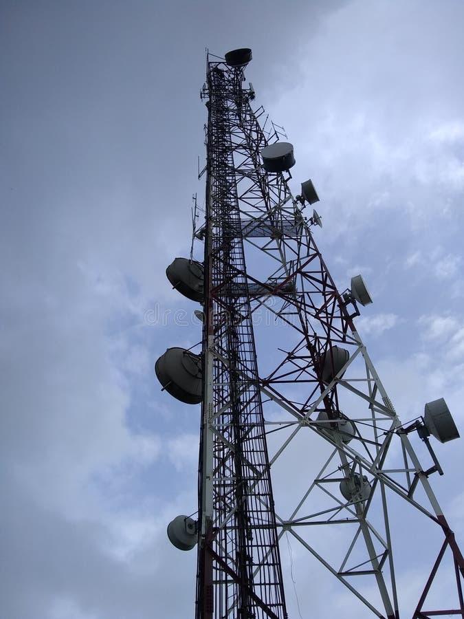 塔电信无线电天线天空 免版税库存照片
