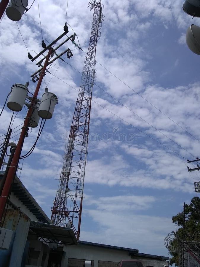 塔电信无线电天线天空 免版税图库摄影