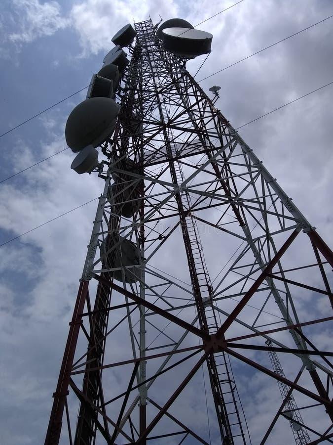 塔电信无线电天线天空 图库摄影