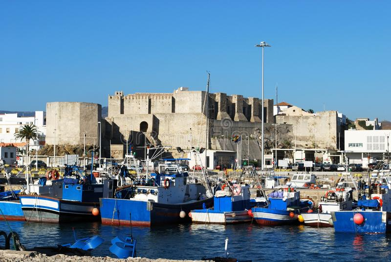 塔里法角城堡和港口,西班牙 图库摄影