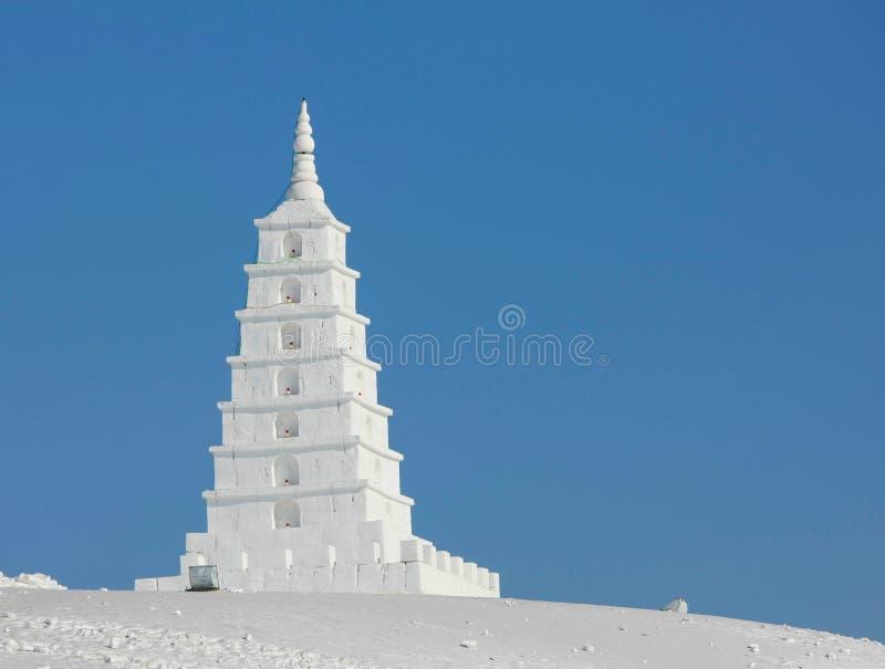 塔雕象由雪制成 库存图片