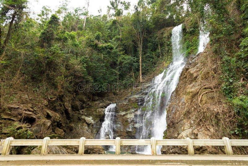 塔马劳瀑布,加莱拉港,菲律宾明多罗岛 库存图片