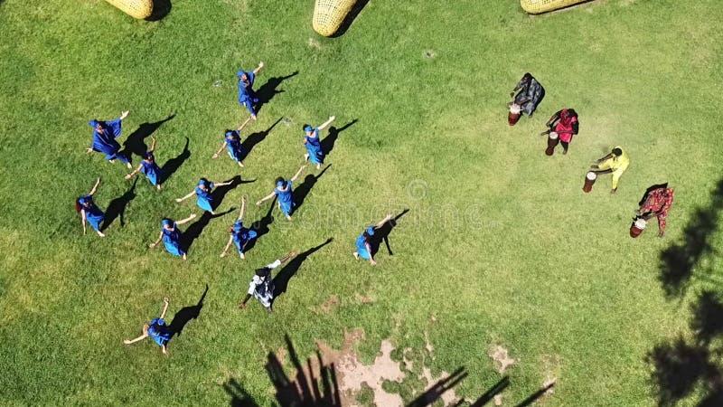 塞内加尔舞蹈鸟瞰图在智利 免版税库存图片