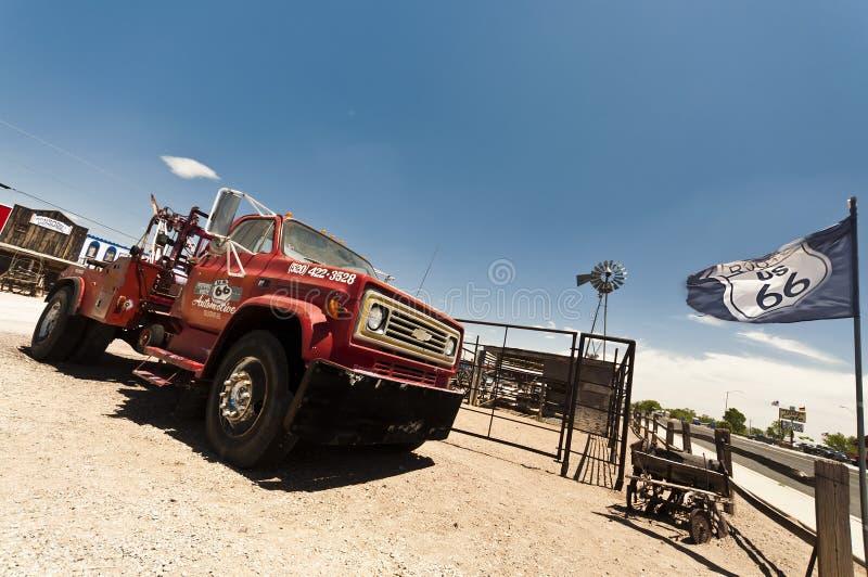 塞利格曼-薛佛列沿路线停放的拖车66 免版税库存图片