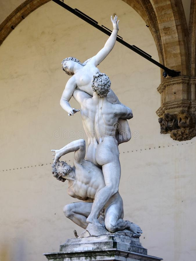 塞宾人妇女雕象的强奸, Logia dei Lanzi,佛罗伦萨,意大利 库存图片