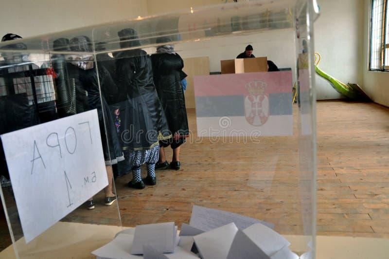 塞尔维亚的装配的议会选举在科索沃 库存图片