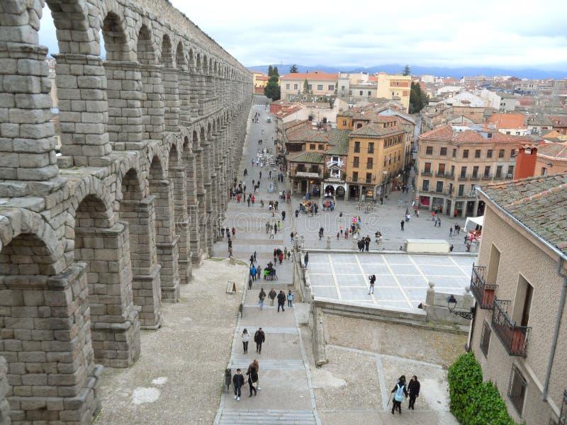 塞戈维亚和惊人的罗马渡槽,西班牙的市中心 免版税图库摄影